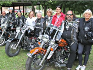 Motorcycle club supports women's shelter